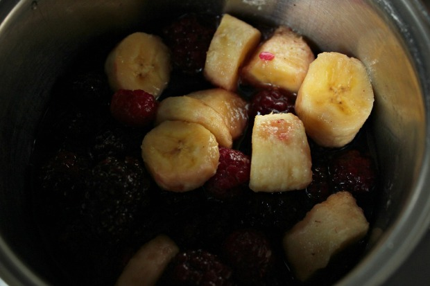 Banana and berry coulis (3)