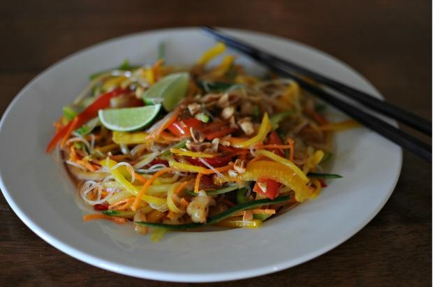 Vegan glass noodle and mango salad (2)
