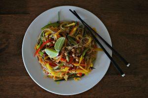 Vegan glass noodle and mango salad (3)