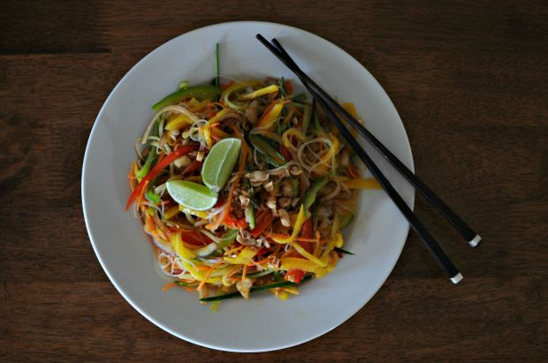 Vegan glass noodle and mango salad (3)